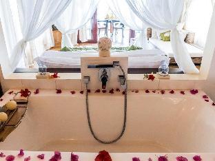 picture 3 of Vellago Resort
