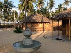 ファンキー ファー ネスト エコ トロピカル リゾート (Funky Far Nest Eco Tropical Resort)