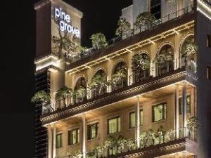 Pine Grove Hotel