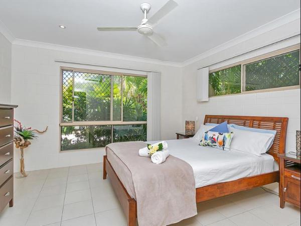 Kewarra Beach Retreat 1 Cairns