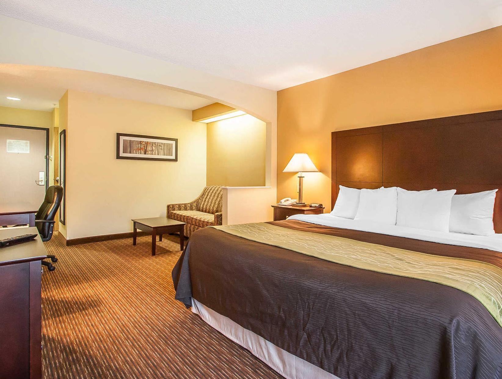 Comfort Inn & Suites Reviews