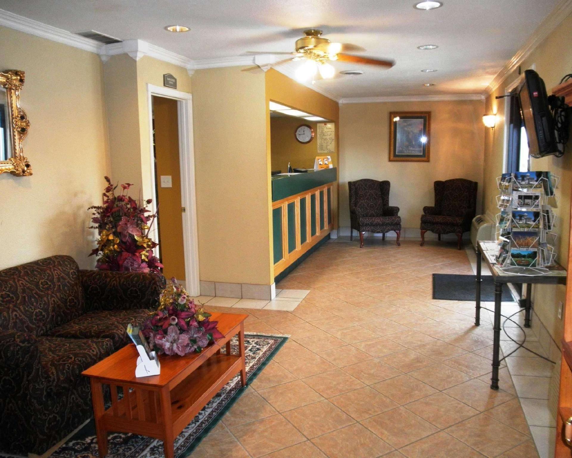 Econo Lodge Hotel Cuba