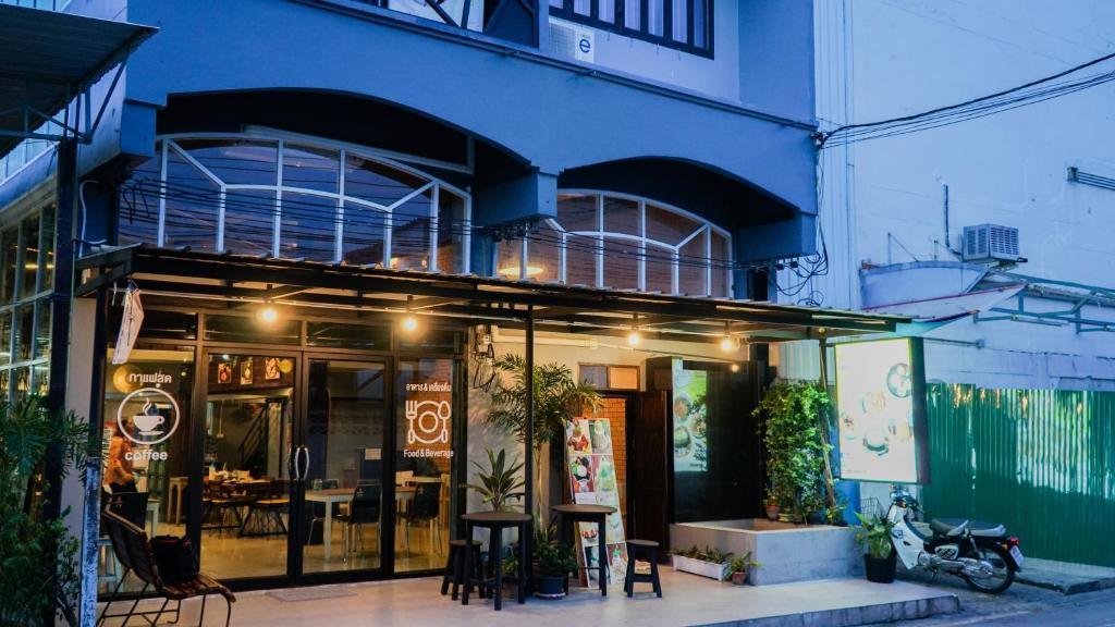 Nara Cafe and Hostel Don Mueang นารา คาเฟ่ แอนด์ โฮสเทล ดอนเมือง