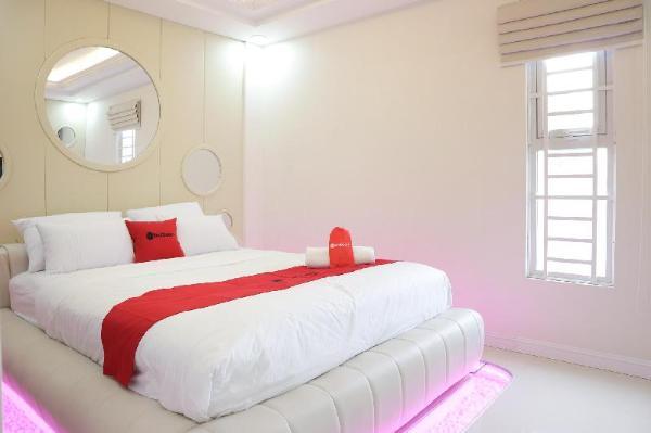 RedDoorz Premium @ Nguyen Oanh Street Ho Chi Minh City