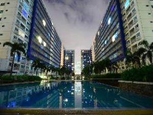 더 C 사이드 콘도미니엄 유닛  (The C Side Condominium Unit)