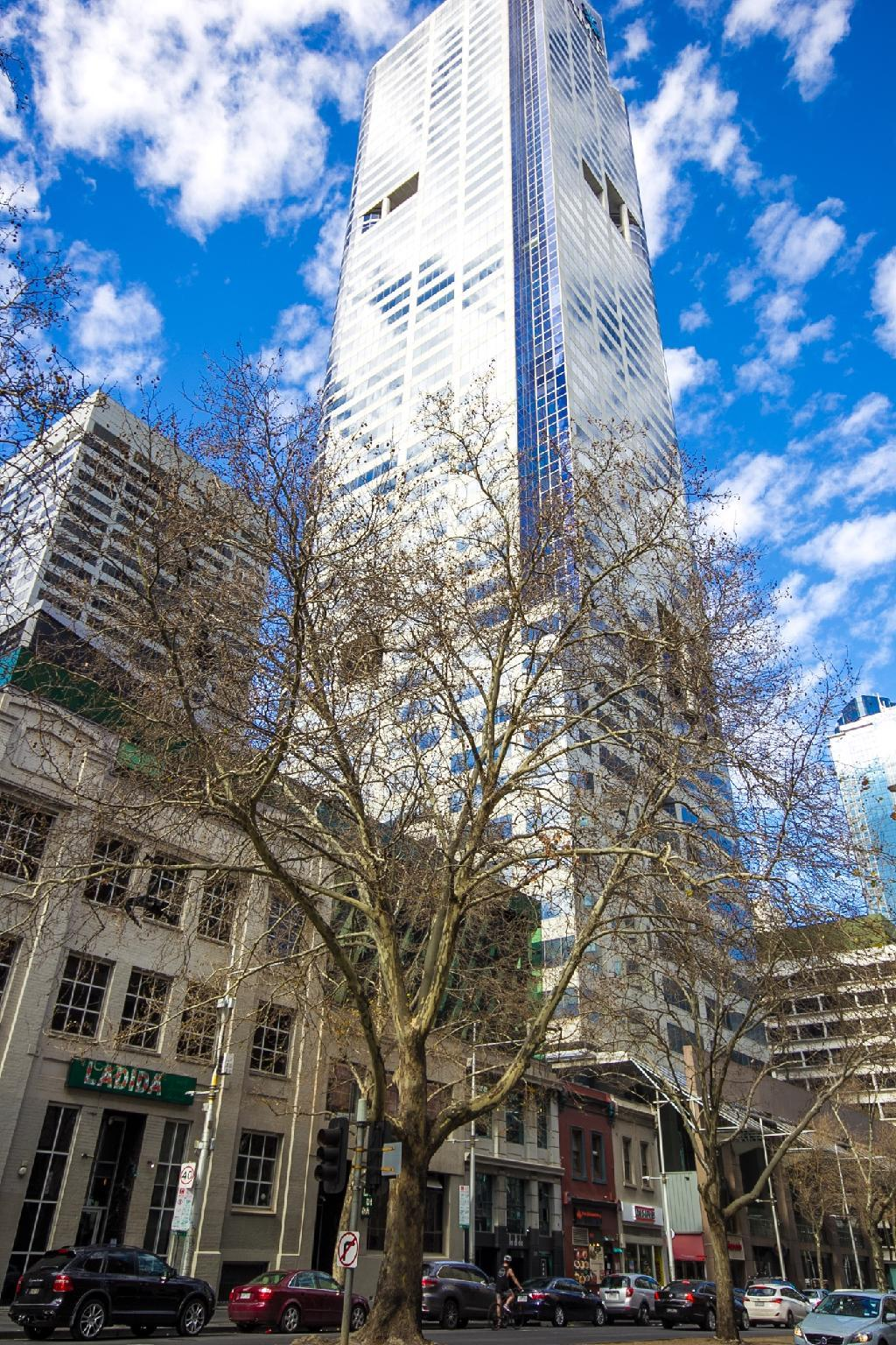 Melbourne CBD Apart With FREE Parking
