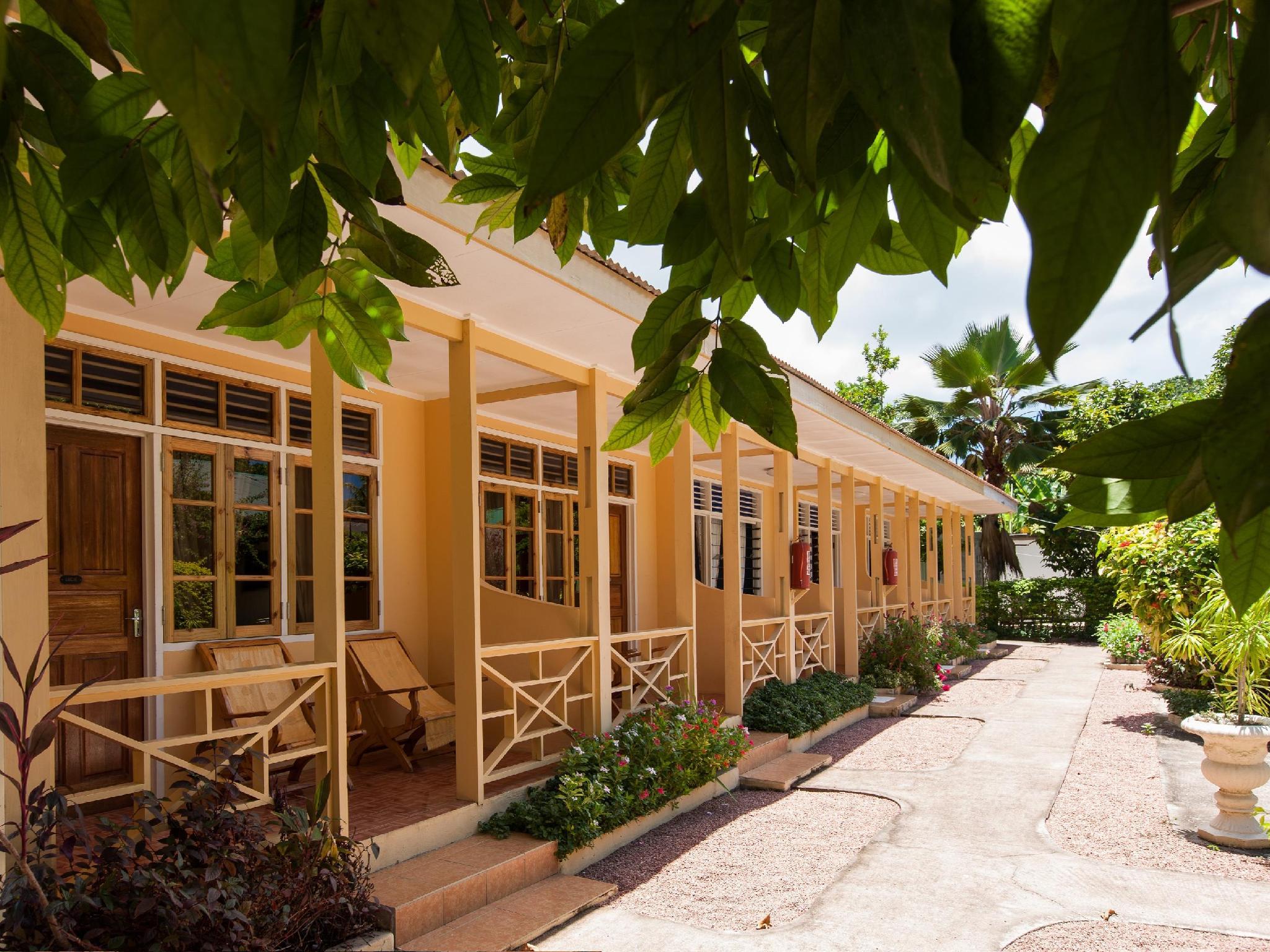 Chez Marston Hotel And Apartment