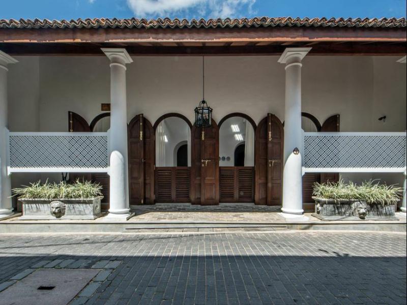 Taru Villas   Lighthouse Street
