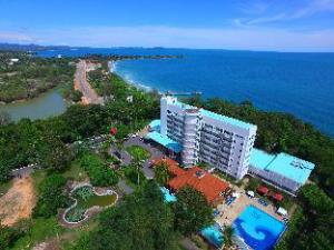 Om Independence Hotel Resort & Spa (Independence Hotel Resort & Spa)