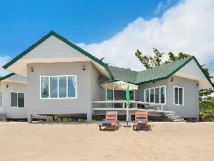 ザ ムーンレイカーズ ビーチフロント ヴィラズ The Moonrakers Beachfront Villas