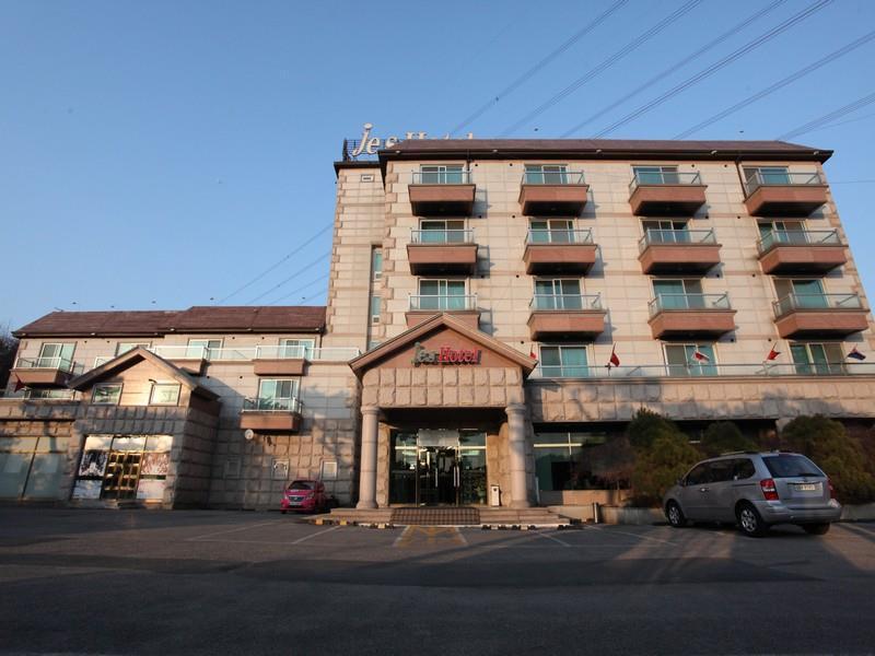 WeolmoonJes Hotel