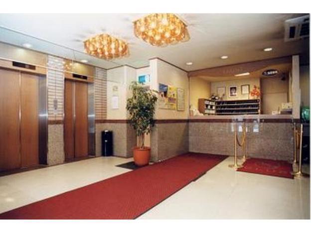 Toyoko Inn Sapporo-eki Nishi-guchi Hokudai Mae