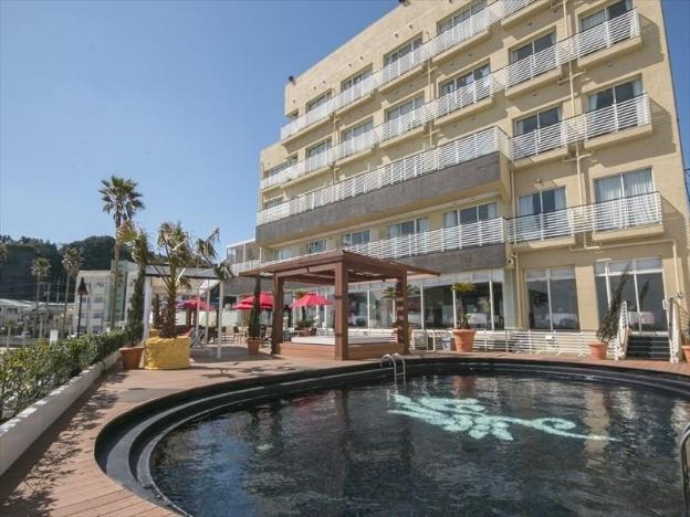 Sayan Terrace Hotel & Resort