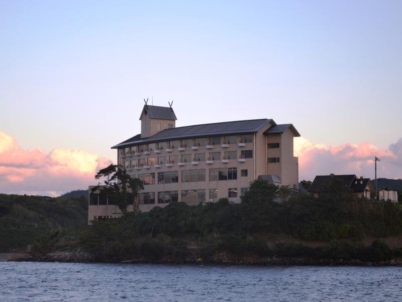 Marine Port Hotel Ama