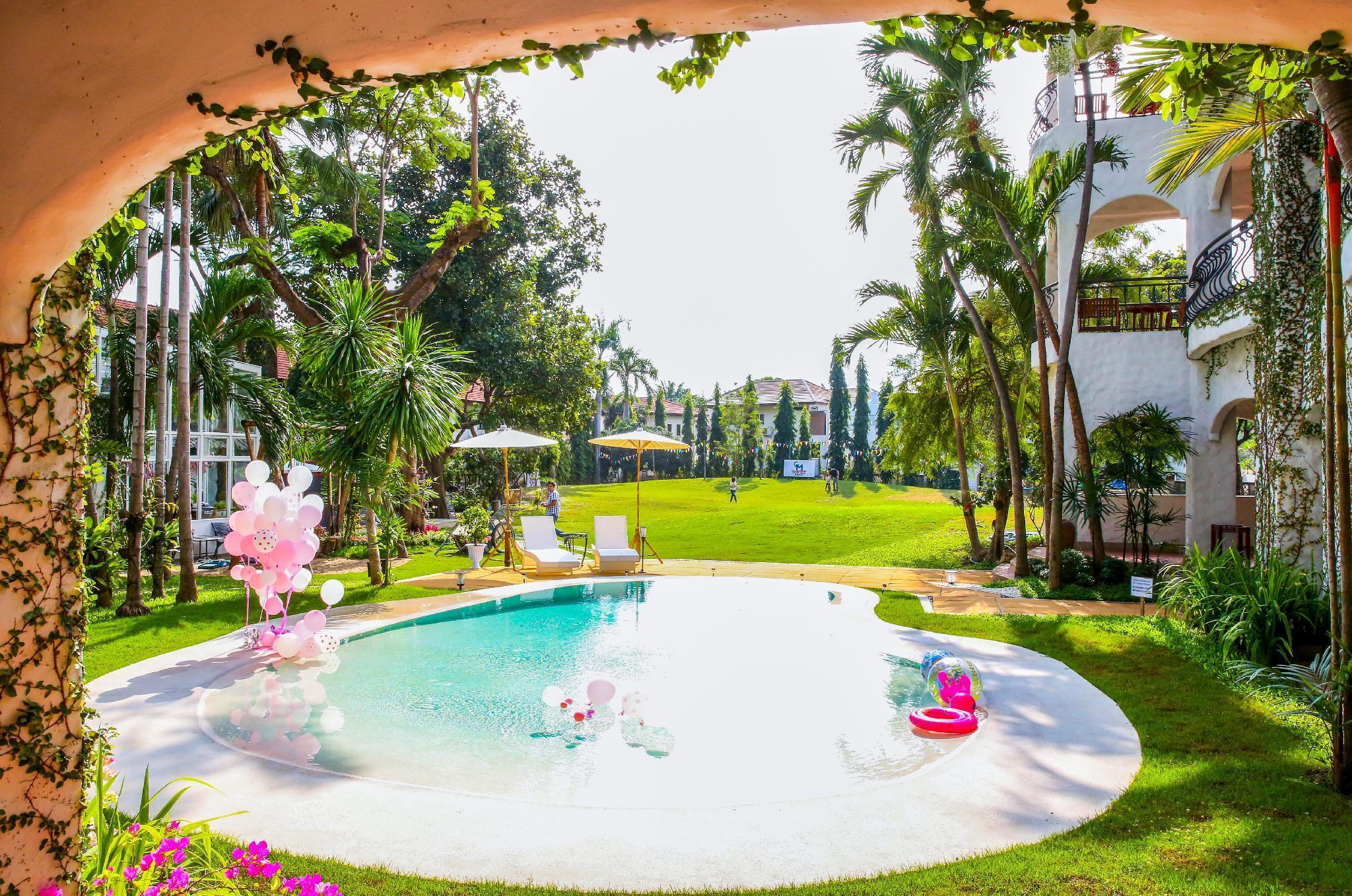 Palm Springs Hotel ปาล์ม สปริง โฮเต็ล