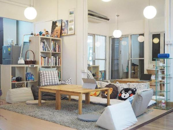 Relax in a Grand Living Space in Sathorn Bangkok
