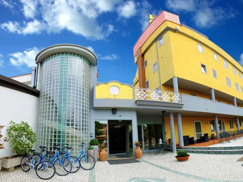 Hotel Ambra Reviews