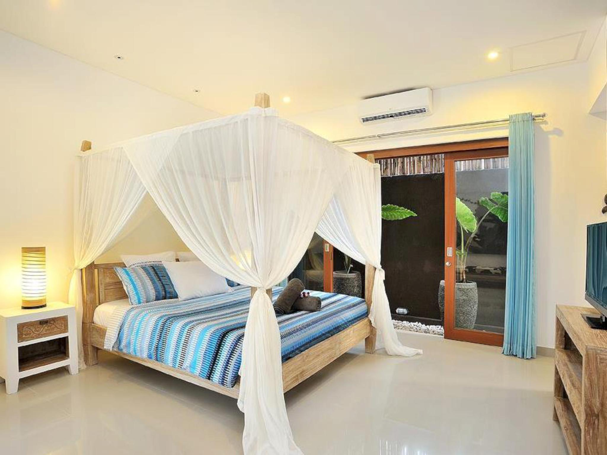 Poolside Luxury In The Centre Of Upscale Seminyak