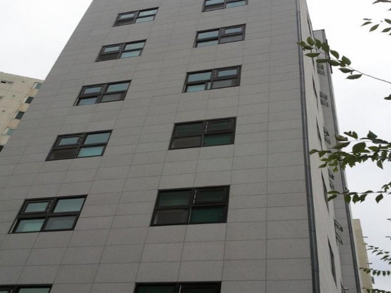 Gumi Honeymoon Hotel