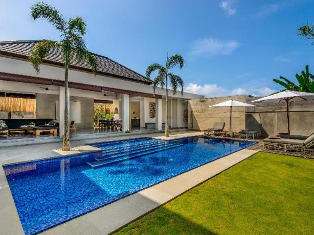 4 Bedroom Family near Canggu Club