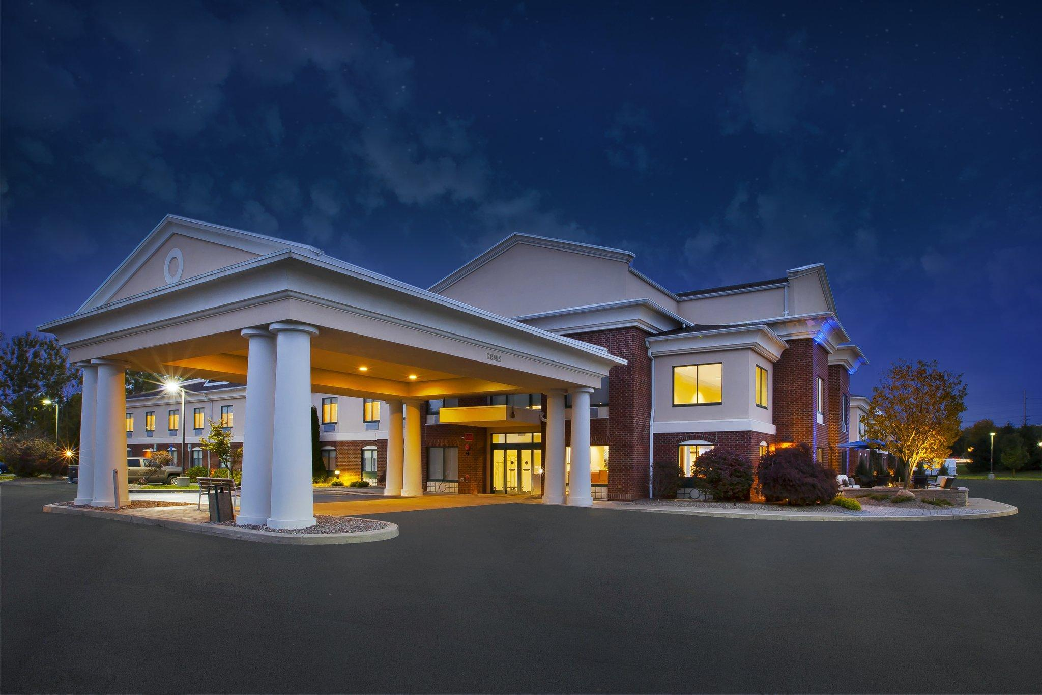 Holiday Inn Express Rochester Victor
