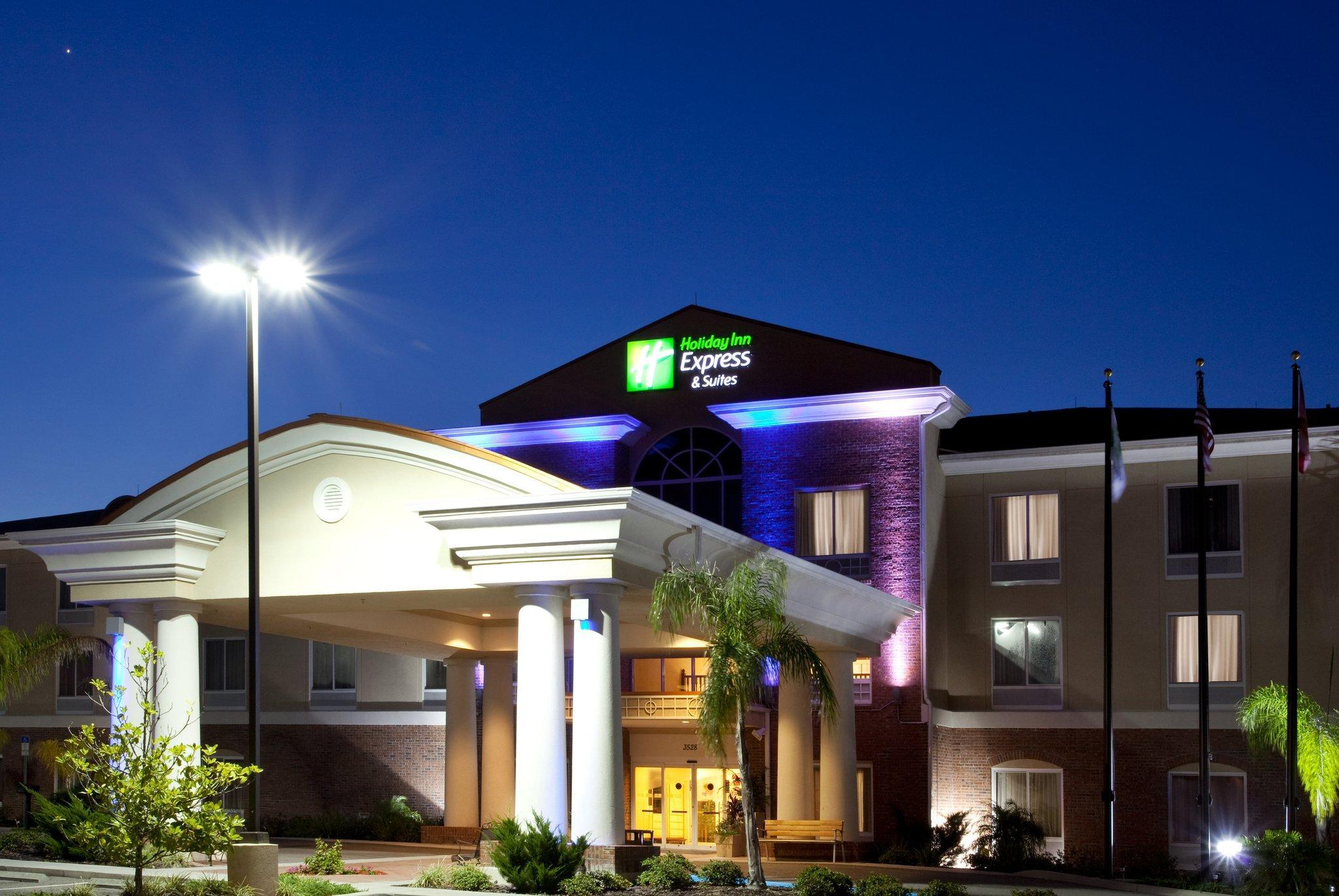 Holiday Inn Express Hotel And Suites Spring Hill
