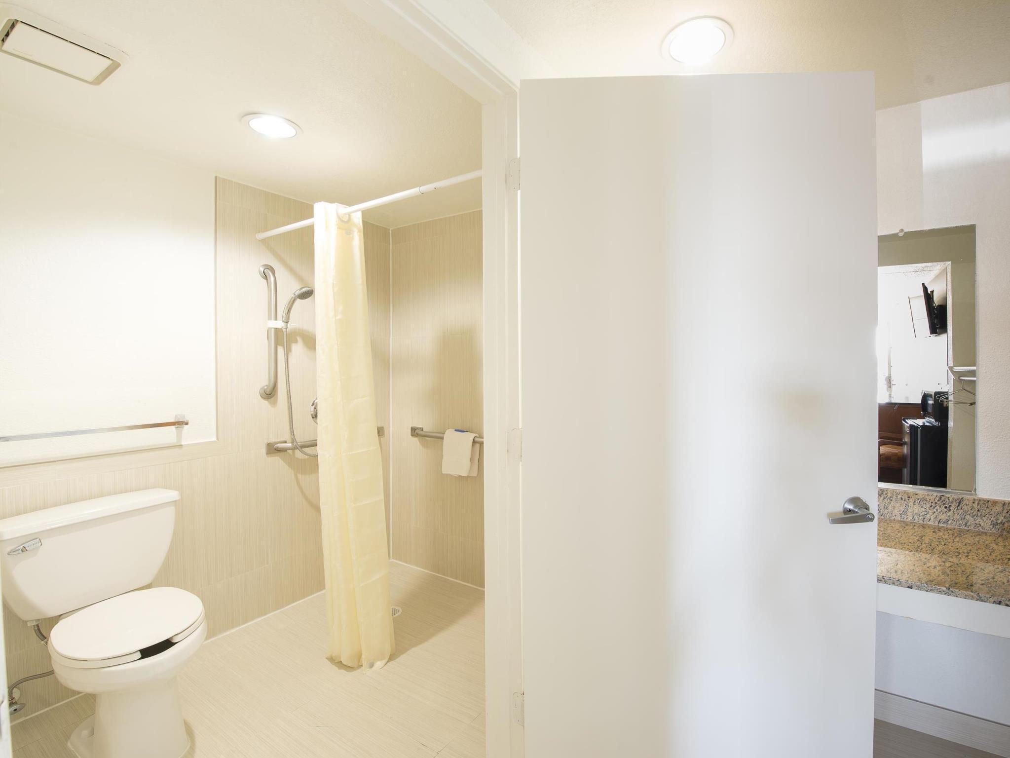 Review New Six Inn & Suites - Houston