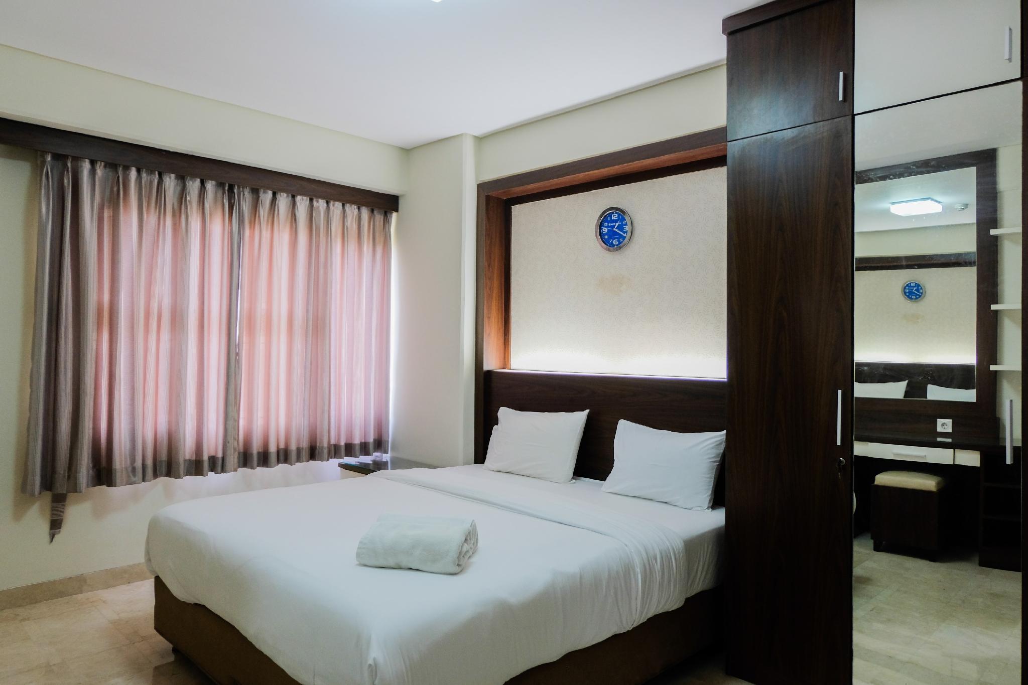 Homey And Relaxing 2BR @ Kondominium Golf Karawaci Apartment By Travelio