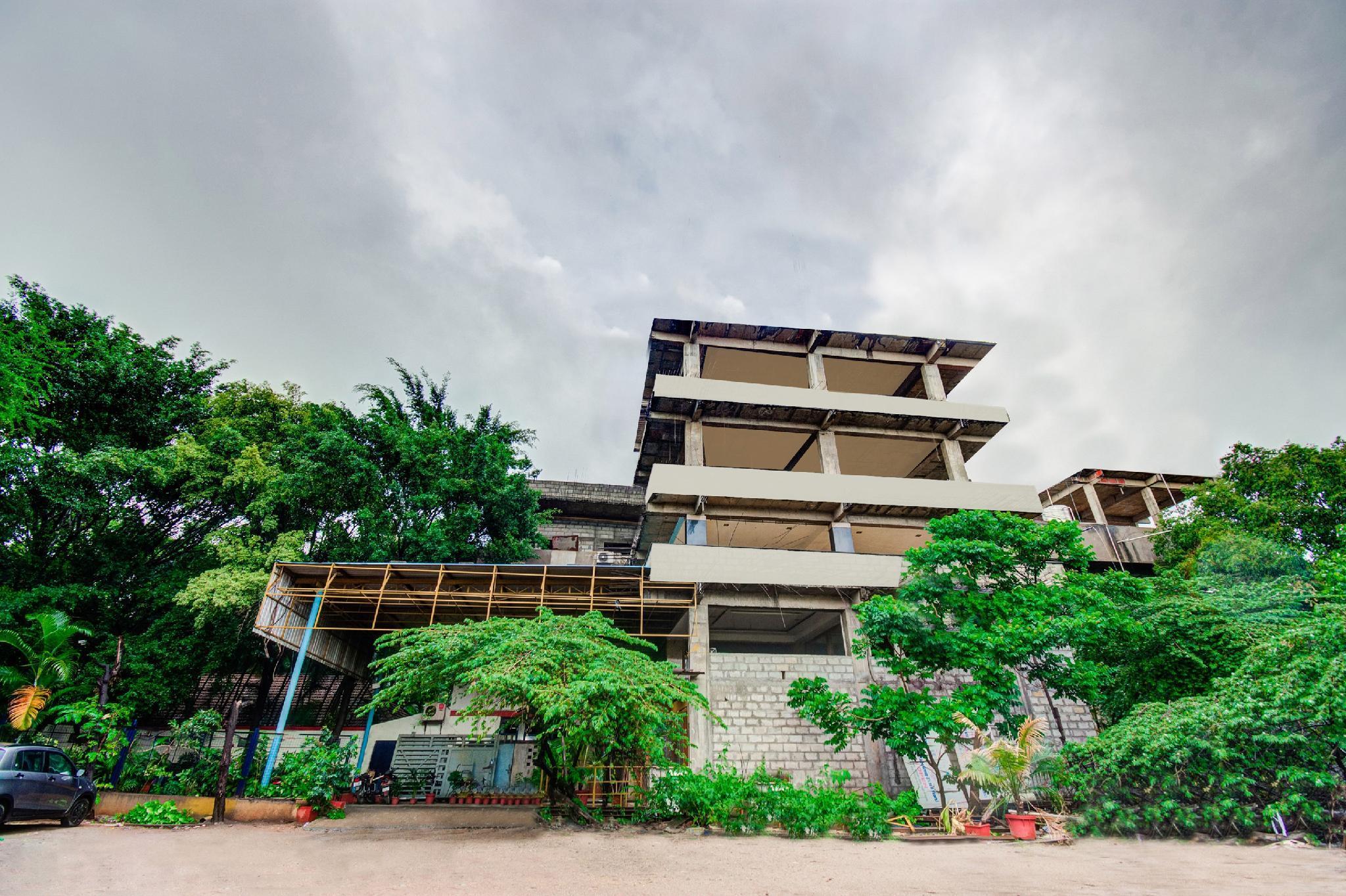 OYO 1327 Inchara Hotel