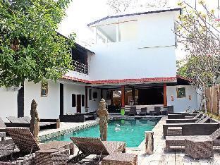 Mirah Hostel
