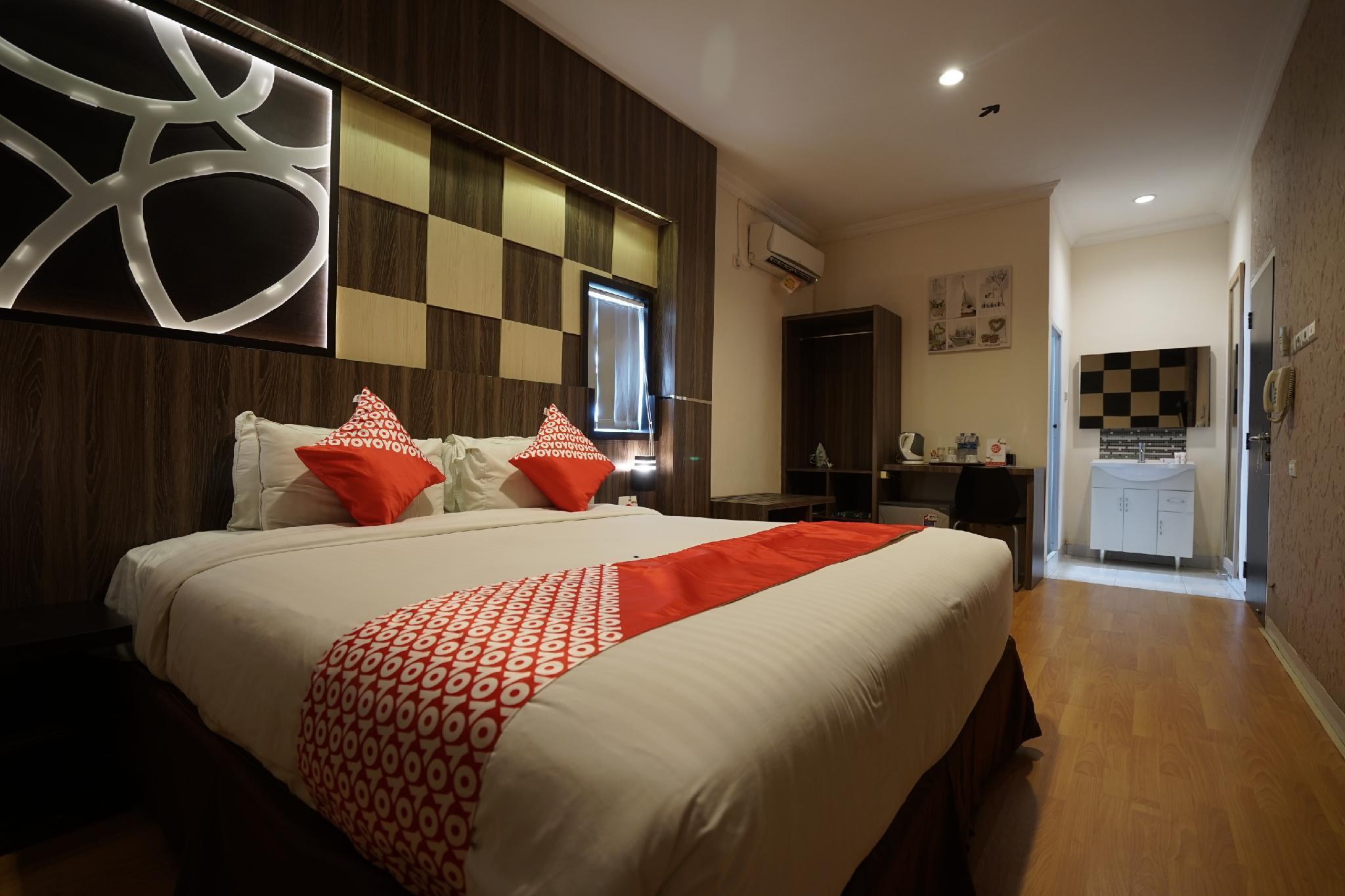 OYO 1328 Hotel City