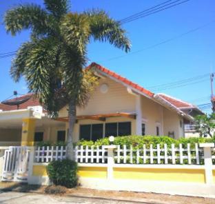 [プーケット空港周辺]一軒家(140m2)  2ベッドルーム/1バスルーム 2 BR Shared Pool near Naiyang beach Phuket