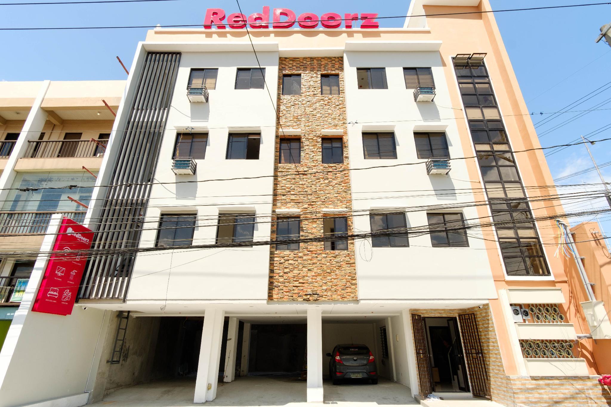 RedDoorz Near SM Bicutan