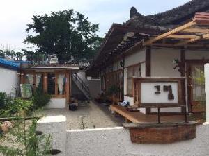 Greem Hanok Guesthouse Jeonju