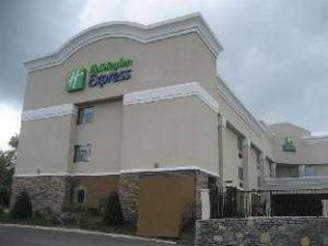 Holiday Inn Express Nashville W-I40