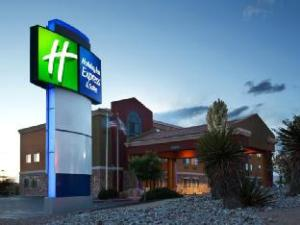 Holiday Inn Express Hotel & Suites Albuquerque - North Balloon Fiesta Park