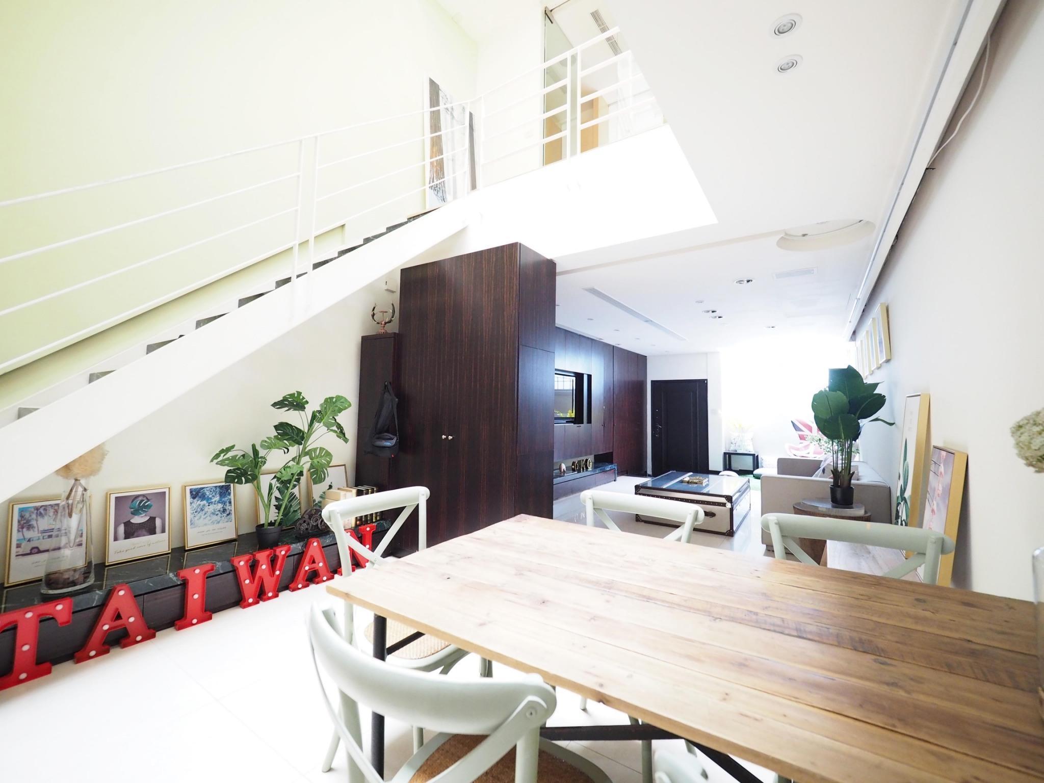 Light Filled Warm Close Villa
