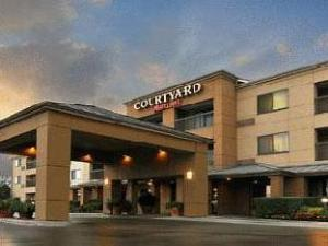 Courtyard By Marriott Fossil Creek Hotel