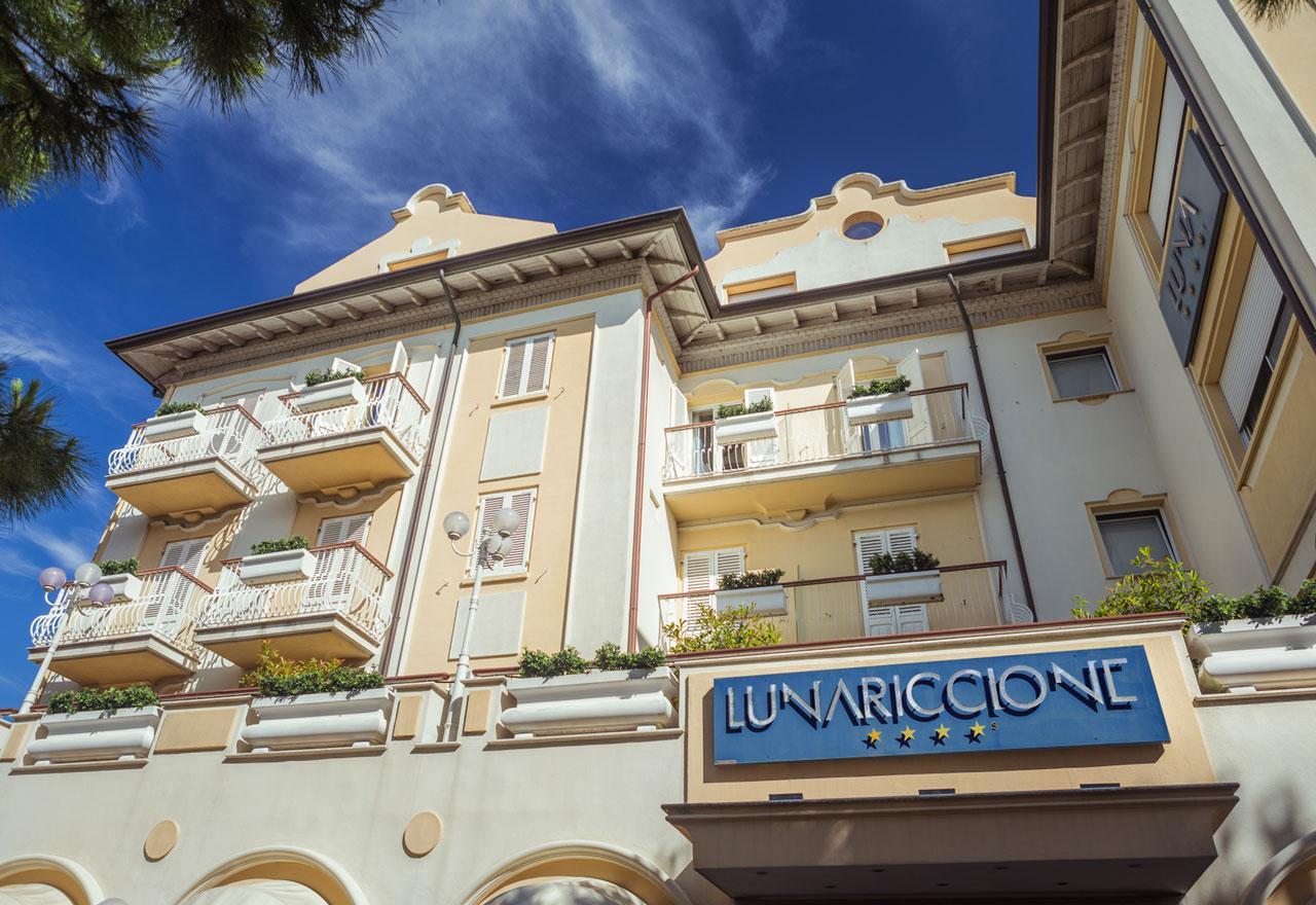 HOTEL LUNA RICCIONE E AQUA SPA   ADULTS ONLY