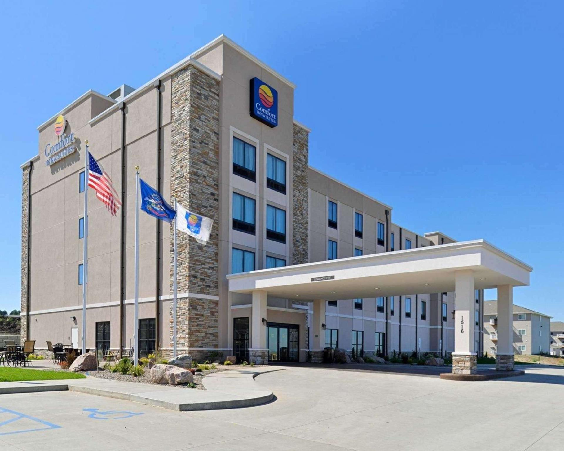 About Comfort Inn and Suites Mandan - Bismarck
