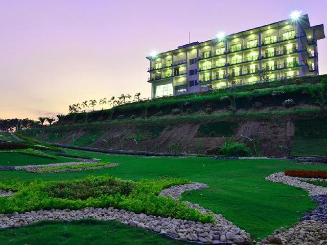 กรังด์ ปรีซ์ กอล์ฟ คลับ – Grand Prix Golf Club