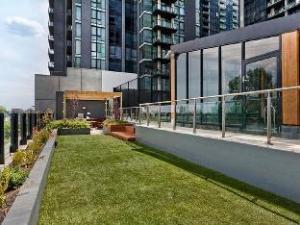 Bayviews at Southbank Apartment