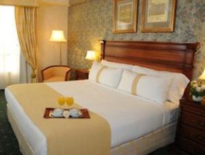 โรงแรมฮอลิเดย์อินน์ซานตาเฟอาร์เจนตินา (Holiday Inn Santa Fe Argentina Hotel)