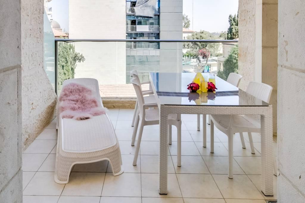 Spectacular 4BR Parking Gym Terrace In City Center