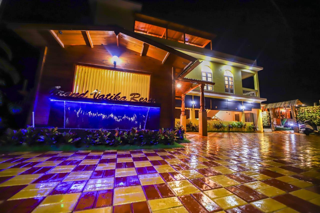 Grand Vatika Resort