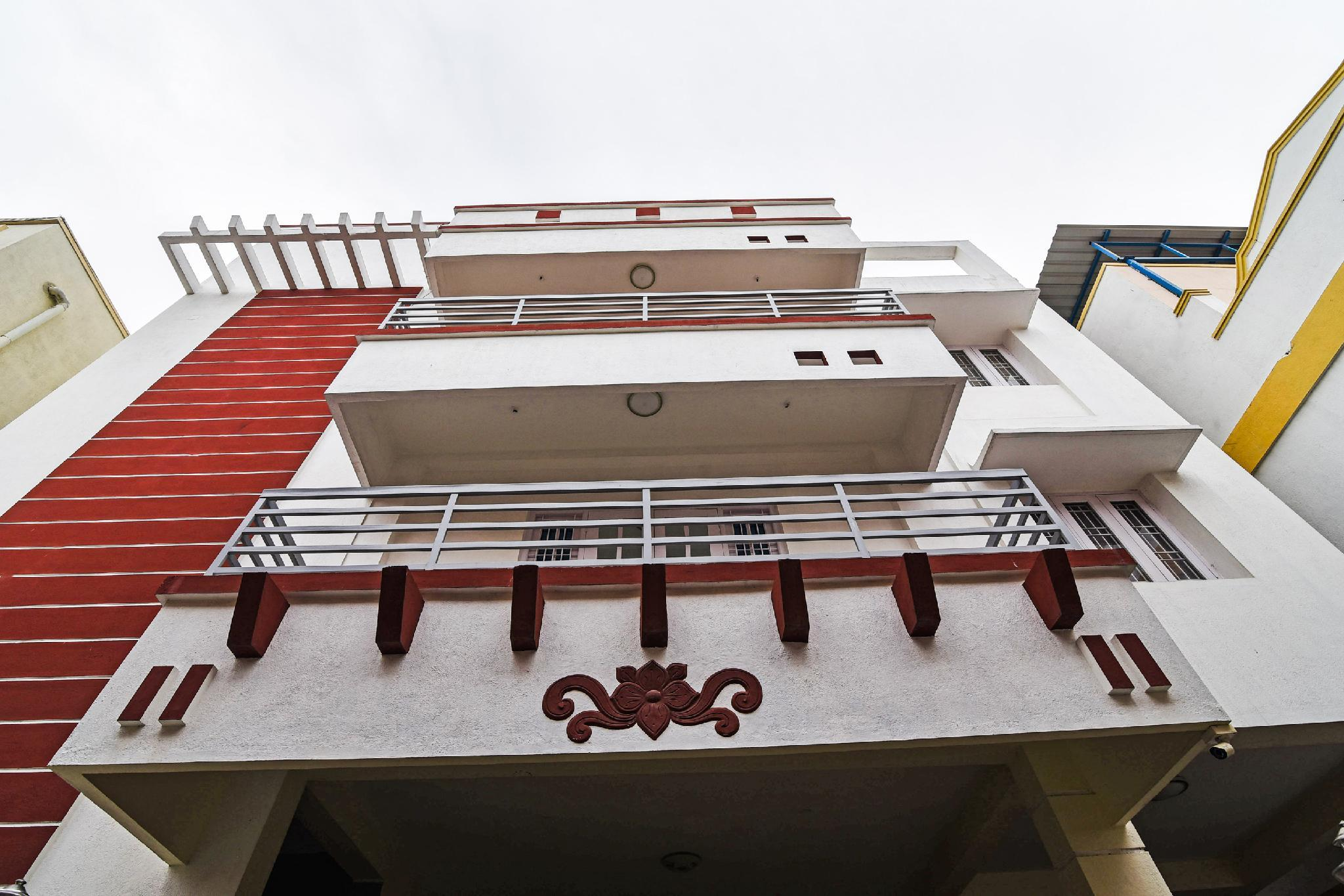 OYO 60627 Sm Guest House