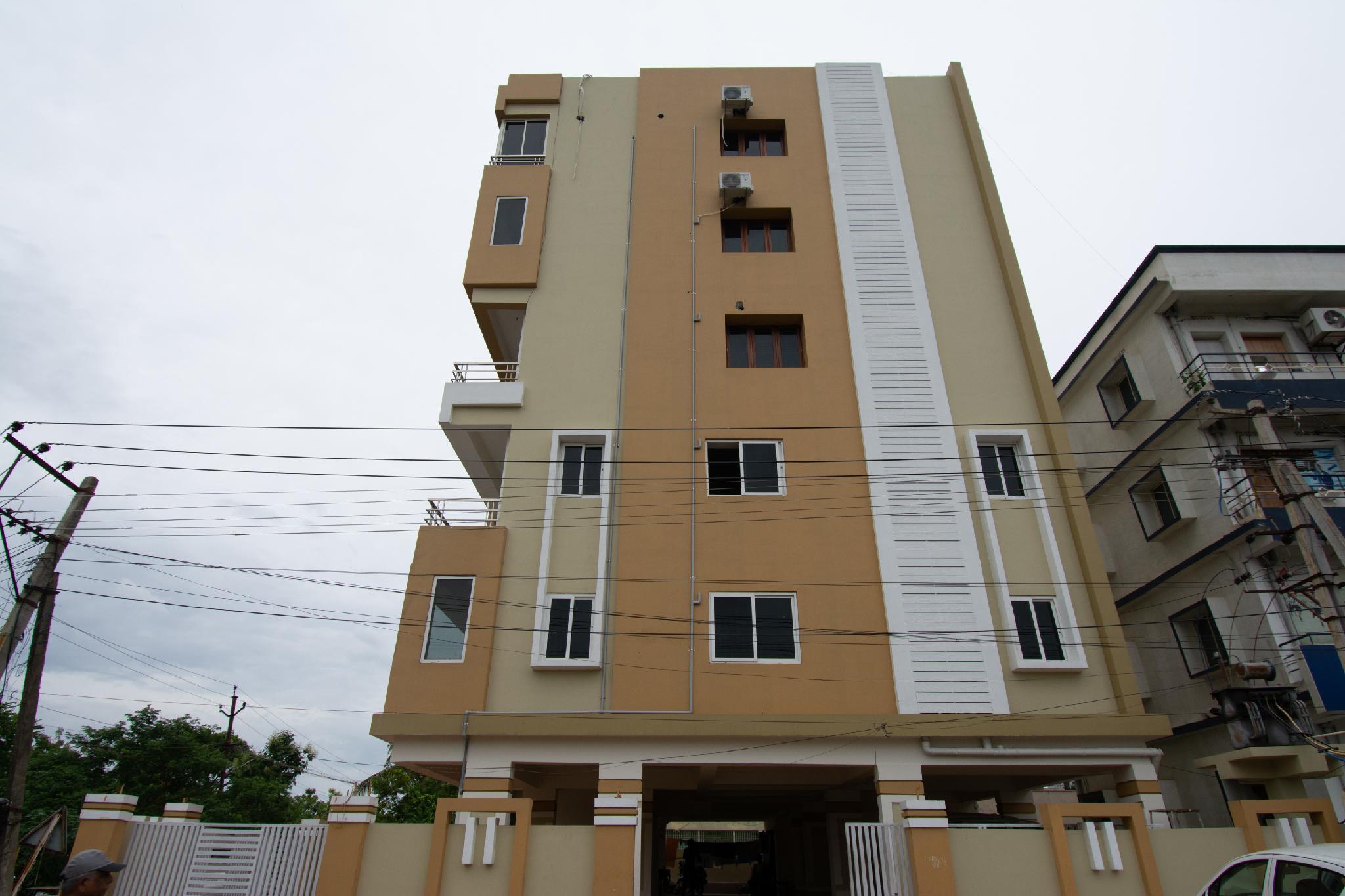 OYO 46991 Sk7 Service Apartments