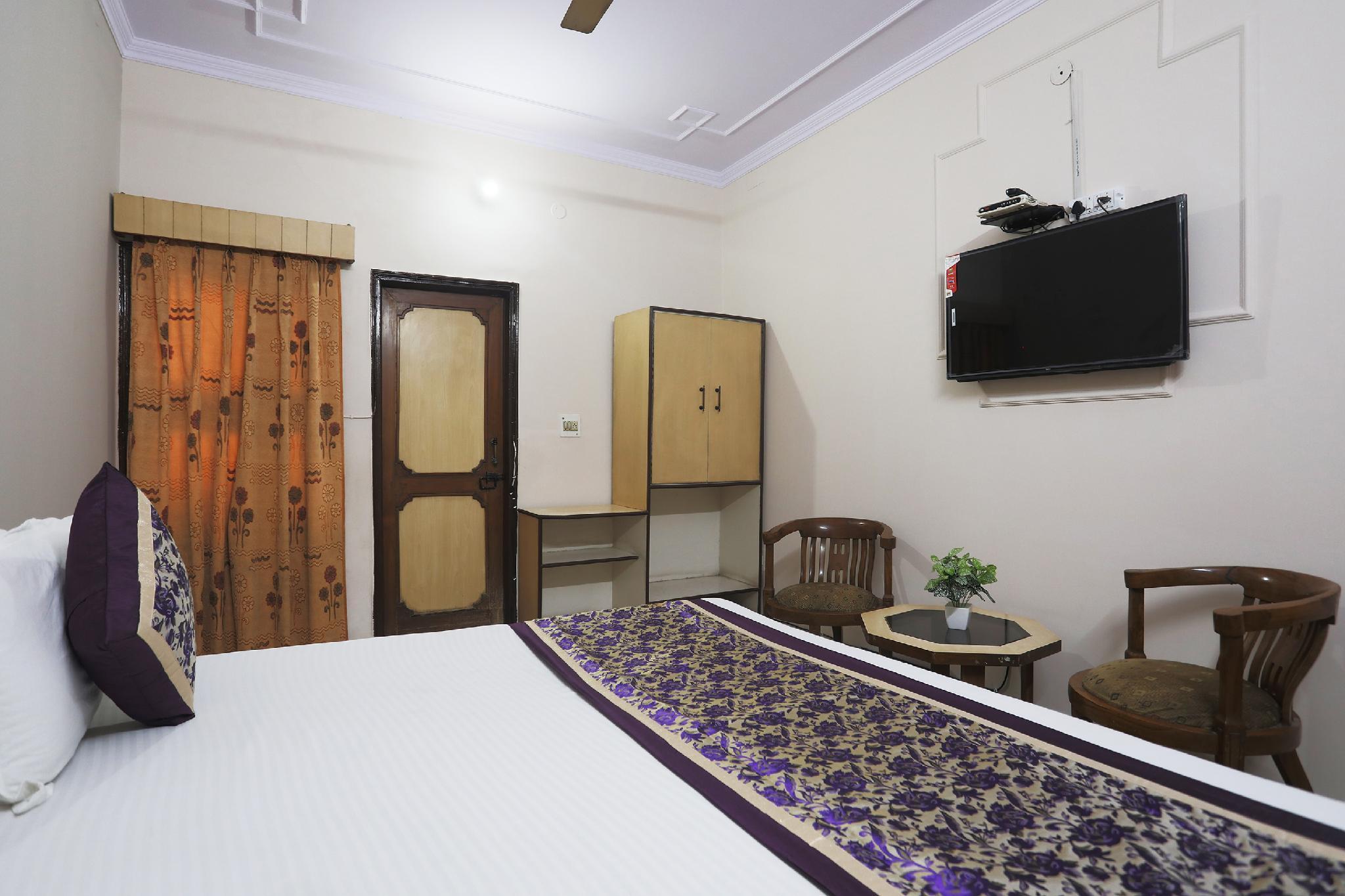 SPOT ON 43466 Sangeeta Palace