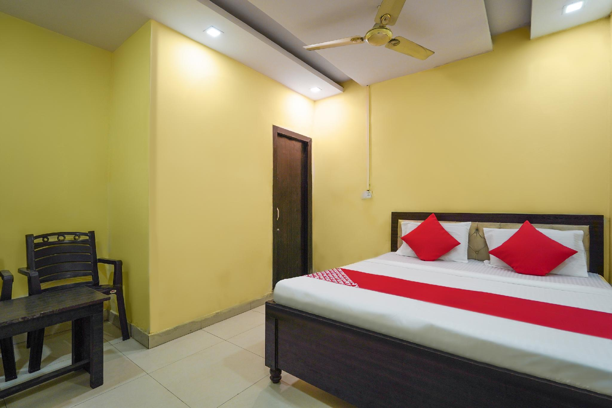 OYO 49342 Hotel Narula's