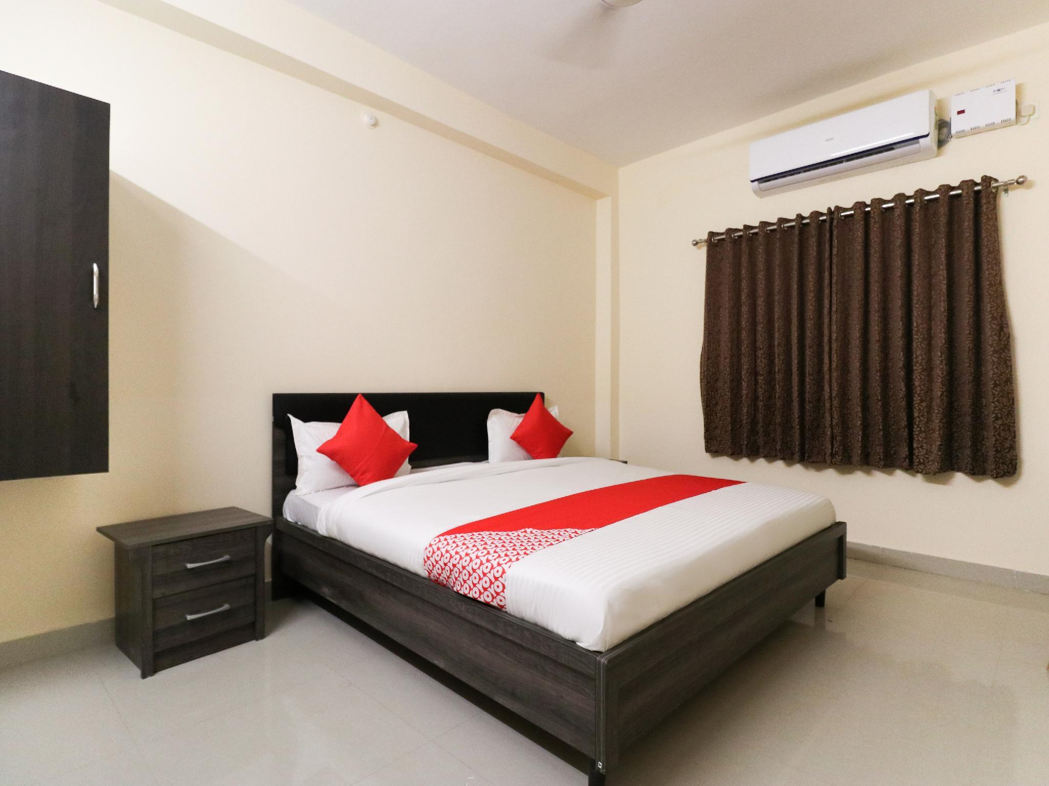 OYO 43835 Imperial Stays